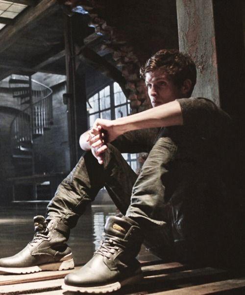 Daniel Sharman (Isaac)...feeling Nostalgic for season 2 and 3