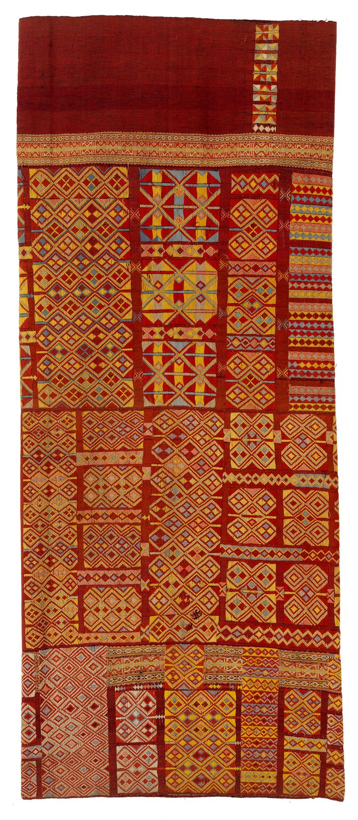 As part of the 50th anniversary celebrations of the Fowler Museum at UCLA, Los Angeles, a series of three world textile exhibitions are on show there this autumn. Textiles of Timor, Island in the Woven Sea opens 7 September 2014 until 4 January 2015.