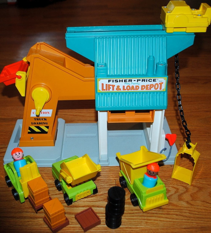 Vintage Fisher Price Little People Lift and Load Depot w/contruction yard trucks | eBay