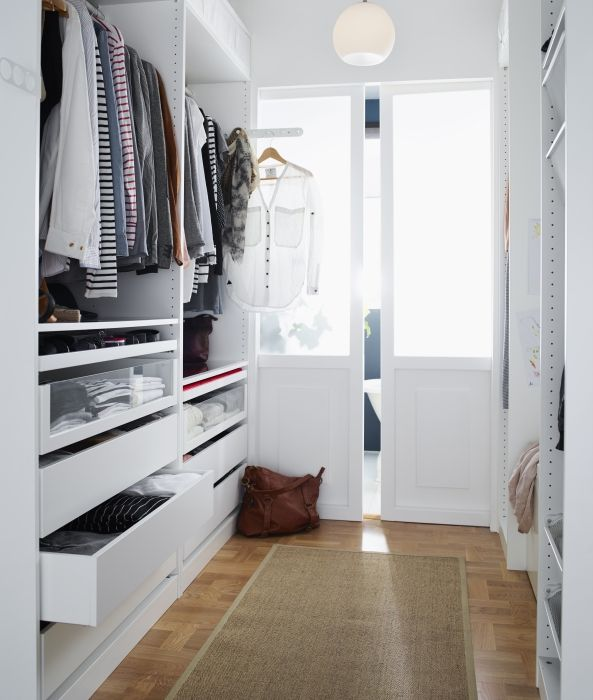 Pull-out hanging rails make getting ready a breeze.