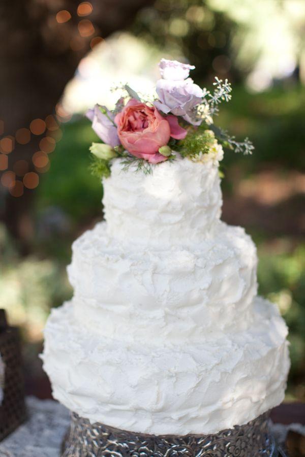 :)White Cake, Cake Form, Pretty Cake, White Wedding Cake, Amazing Cake, Wedding Cakes, Blue Flower, Eating Cake, Shabby Chic Weddings