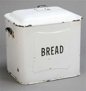 <3: Vintage Breads, Breads Boxes, Vintage Porcelain, Porcelain Breads, Antiques Kitchens, Breads Bins, Kitchens Countertops, Antiques Vintage, Homemade Breads