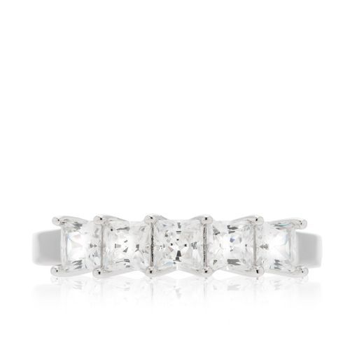 Diamonique, anello a fedina in argento 925 placcato platino. Una fila di cinque diamonique quadrati si sussegue lungo la superficie del gioiello. Forme geometriche, riflessi incantati, per una luminosità senza fine.