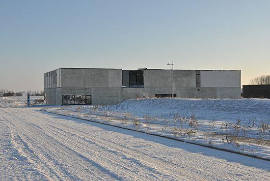 Concrete industrial architecture by pl.rigaux architectes | Imprimerie PR PRINT Nivelles | www.plrigaux.com