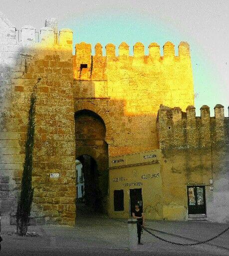 Arcaza de abajo, Puerta de Sevilla de Carmona.