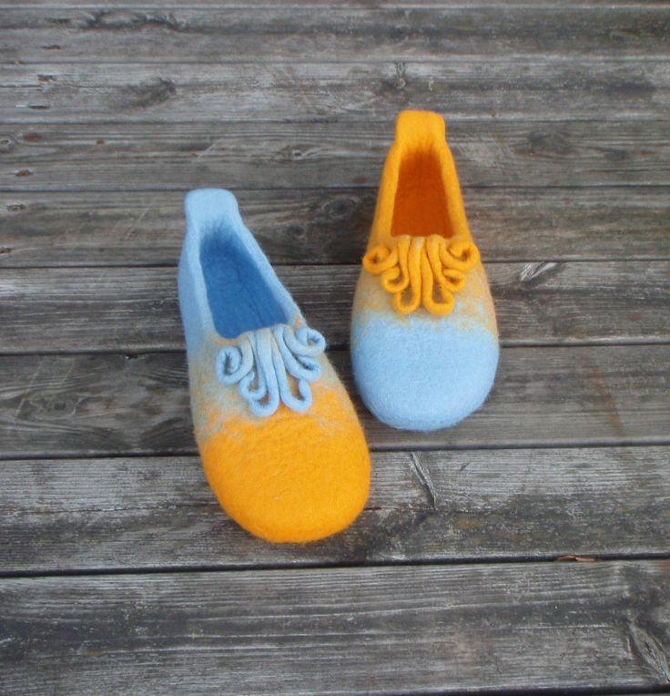 wet felted wool slippers WHIMSY / KAPRĪZE pamana.lv