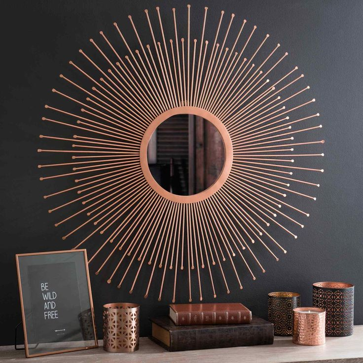 Copper stands out in dark rooms | GYPSET scented candle in beaten metal tin H 8 cm | Maisons du Monde