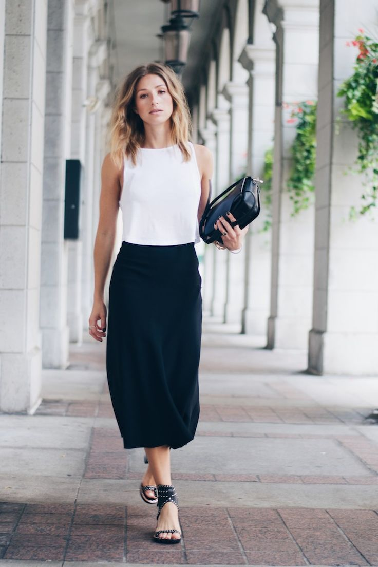 Casual Office Chic Outfit | Black Skirt | White Shirt Casual Büro-Outfit | Schwarzer Rock | Weisses Top