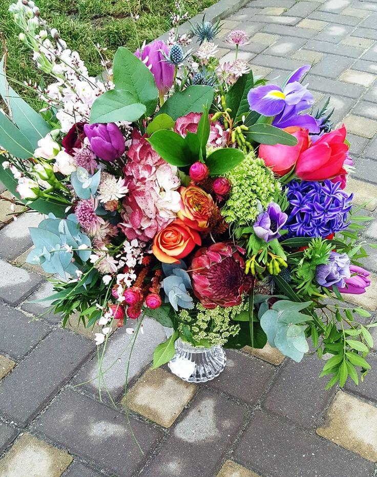 Souvage summer bridal bouquete.