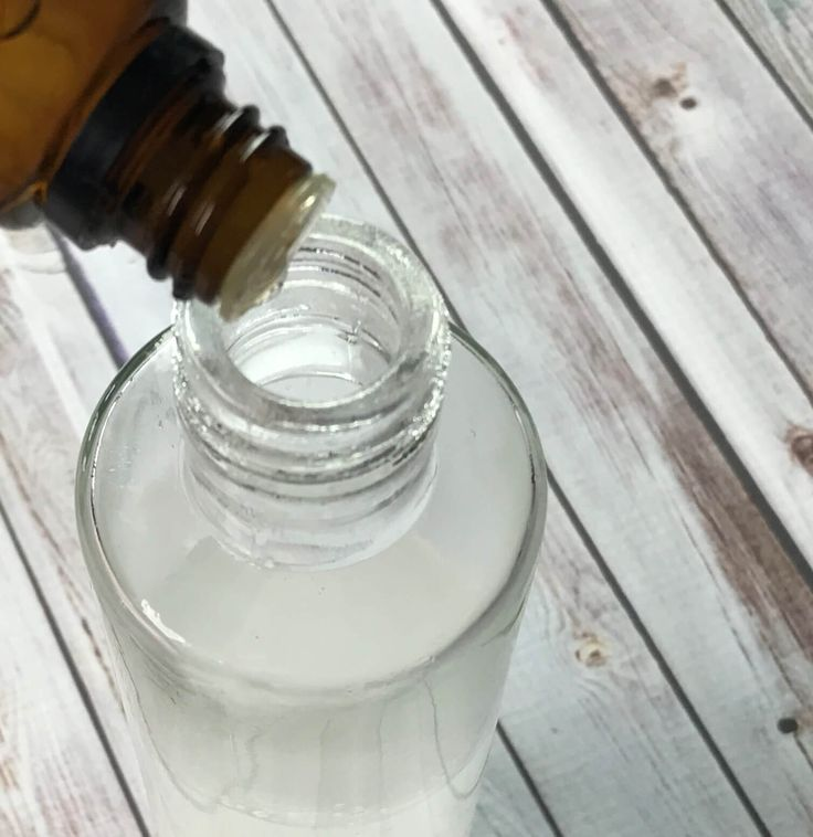 17 best ideas about best glass cleaner on pinterest diy for How to clean bathroom mirror without streaks
