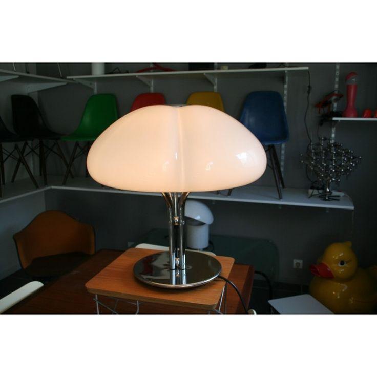 http://www.design-market.fr/3347-lampe-à-poser-quadrifoglio-gae-aulenti-années-70.html