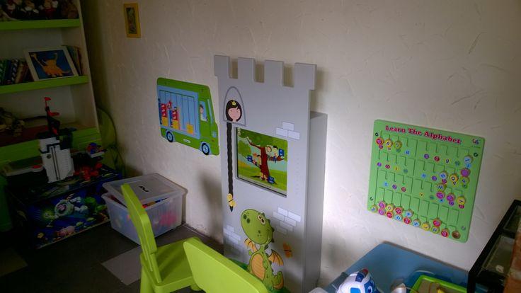 Interactive amusement for children in an Italian restaurant