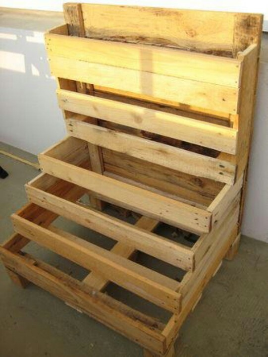 Tiered verticle planter made from palettes -space saver!