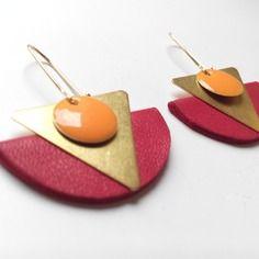 Bo maxi demi cercle cuir framboise triangle laiton sequin émaillé abricot