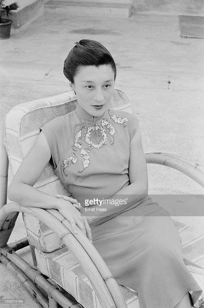 Chinese-born writer and physician Han Suyin (1917 - 2002), circa 1960.