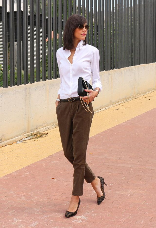 Brown Classic Tapered Pants + White Shirt + Brown Pumps + Clutch