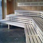 Ausführung 1: Sauna im Hotel, Hemlock-Profilholz …