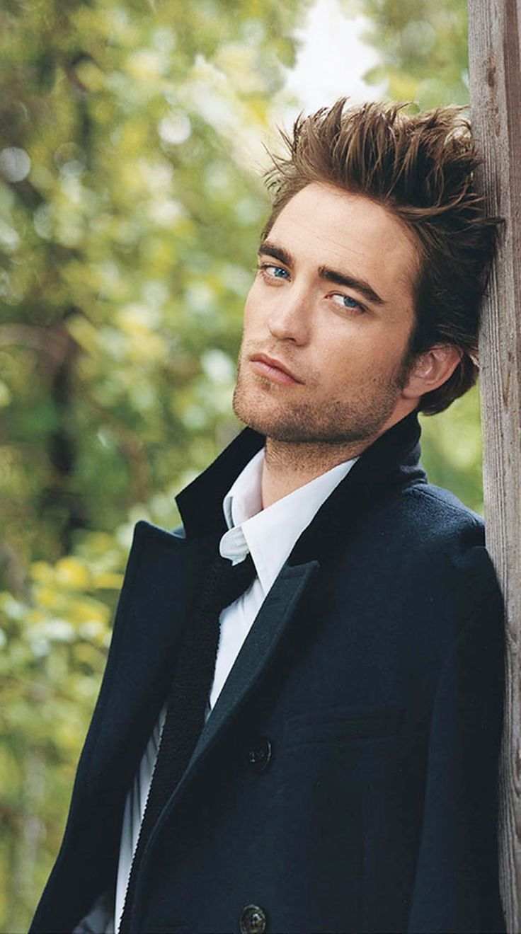 Robert Pattinson (he was better in Harry Potter)