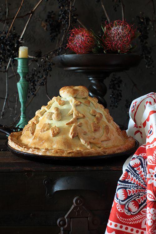 """PASTEL RUSO DE POLLO (""""Kurnik"""" - Chicken Pie with Mushrooms, Kasha, Eggs & Homemade Chicken Broth) #RecetasTipicas #CocinaRusa"""