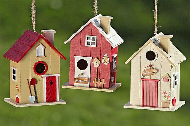 Des nichoirs colorés pour décorer aussi votre extérieur. Découvrez tous le mobilier d'extérieur Grenier Alpin >>> http://www.grenier-alpin.com/meubles/divers/mobilier-exterieur.html #GrenierAlpin #Mobilier #Bois #Home #Jardin