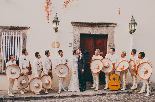 Mexico wedding with a fun mariachi band