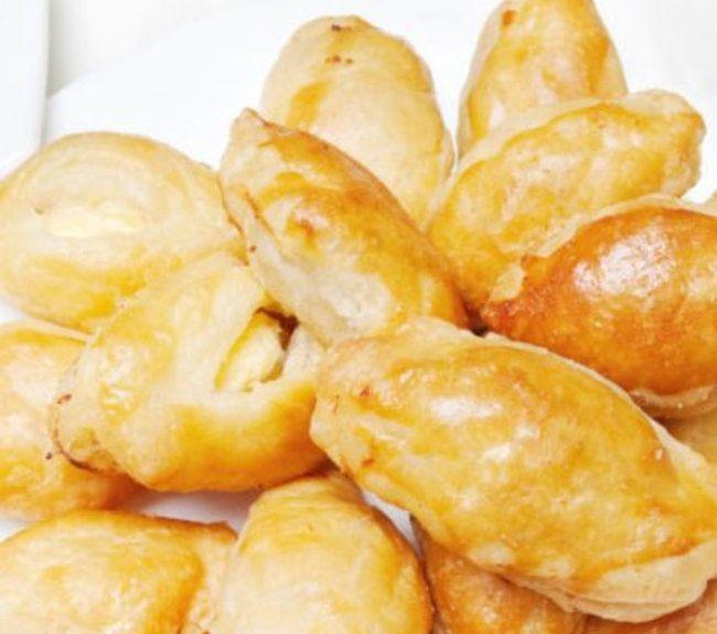 Τυροπιτάκια με ζύμη γιαουρτιού