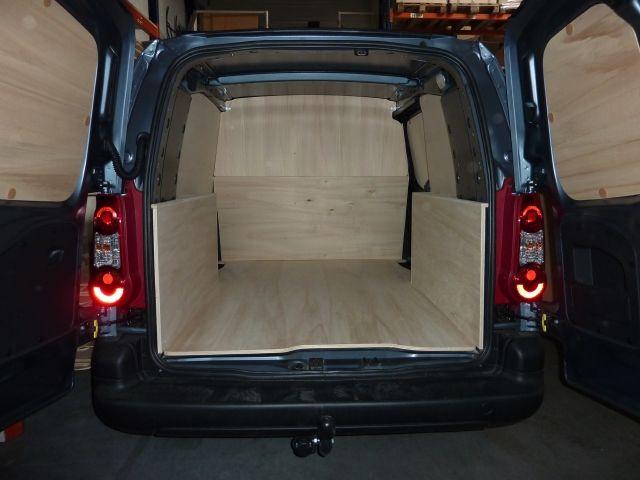 Aménagement d'utilitaire,aménagement de fourgon, aménagement véhicule utilitaire, CITROËN BERLINGO Long. Kits à partir de 279€ sur la boutique en ligne Kit Utilitaire.