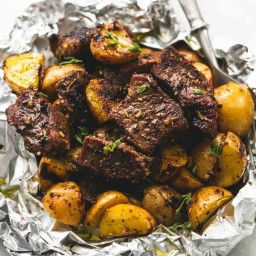 Packets of garlic and potato steak   – Backyard Grill