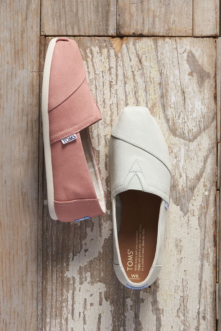 TOMS slip on shoes inspired by the colors of the canyons. Mint Canvas and Canyon Clay Canvas Women's Classics.