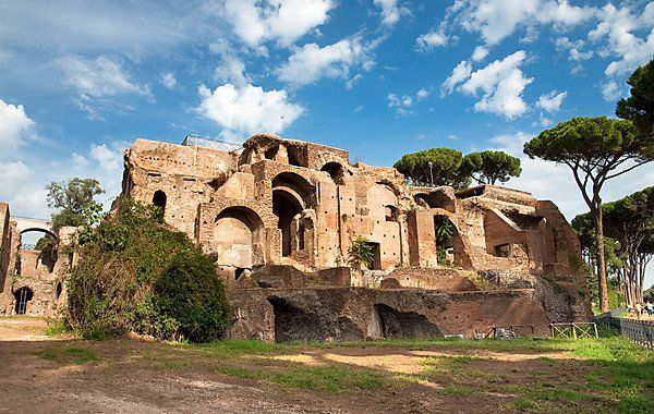 Palatine Hill in Rome: Explore one of the Seven Hills of Rome. Being a mythological place, quite a many archaeological finds were uncovered here. Detailed information http://www.tripomatic.com/Italy/Lazio/Rome/Palatine-Hill/