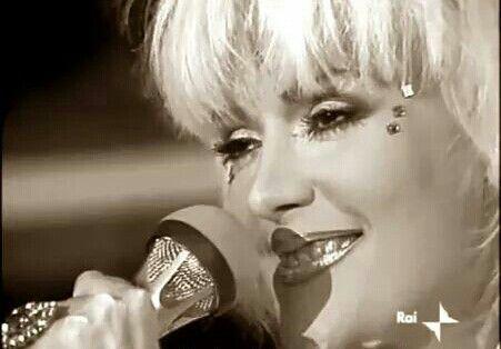 """Rettore al Festival di Sanremo 1986,  dove cantò la canzone """" Amore Stella """" ."""