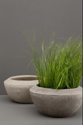 OK not auctually clay, but could be.... concrete pots by Atelier Vierkant