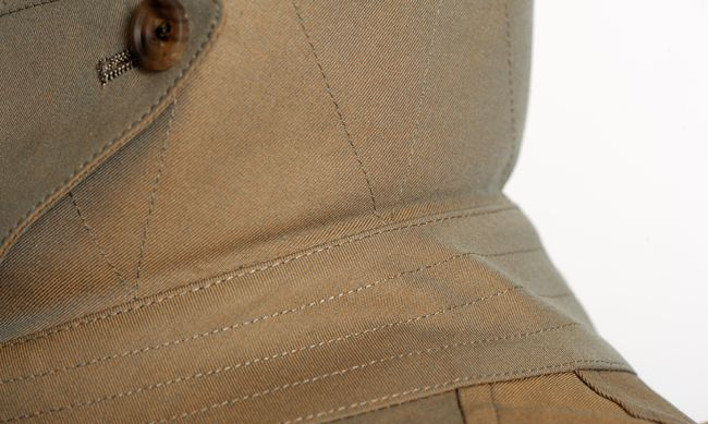 """""""Reinforced stitching in the collar for increased strength and durability""""."""
