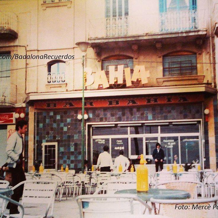 """""""Años 80, bar Bahía en la Rambla. Foto de Mercè Paredes. #badalona #barcelona…"""