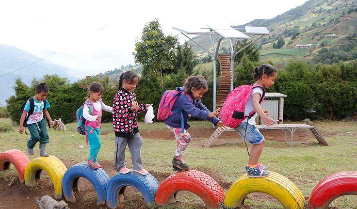 Así es como un proyecto de celdas fotovoltaicas transforma la calidad de vida de 1.100 estudiantes en Antioquia.