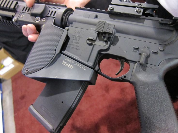 <!--:en-->Grauer Systems Integrated Grip Rail System (IGRS) Extended Ramped and Flared Magwell / Vertical Foregrip<!--:-->