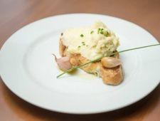 Presença ilustre nos clássicos almoços de Páscoa, o bacalhau pode ser abordado de diversas maneiras