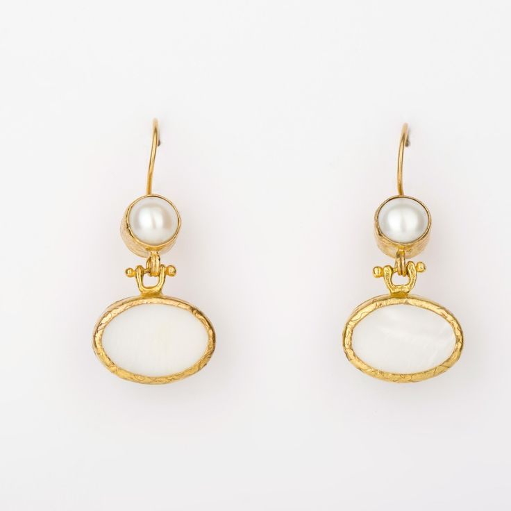 Endless Love Earrings_Mother of Pearl - Gold plated