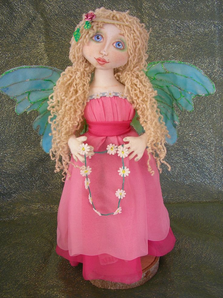 I USED UNRAVELED WOOL FOR THE HAIR ON THIS DOLL AND SHE HAS A SILK DRESS. #CLOTHDOLL #ARTDOLL #FAIRY