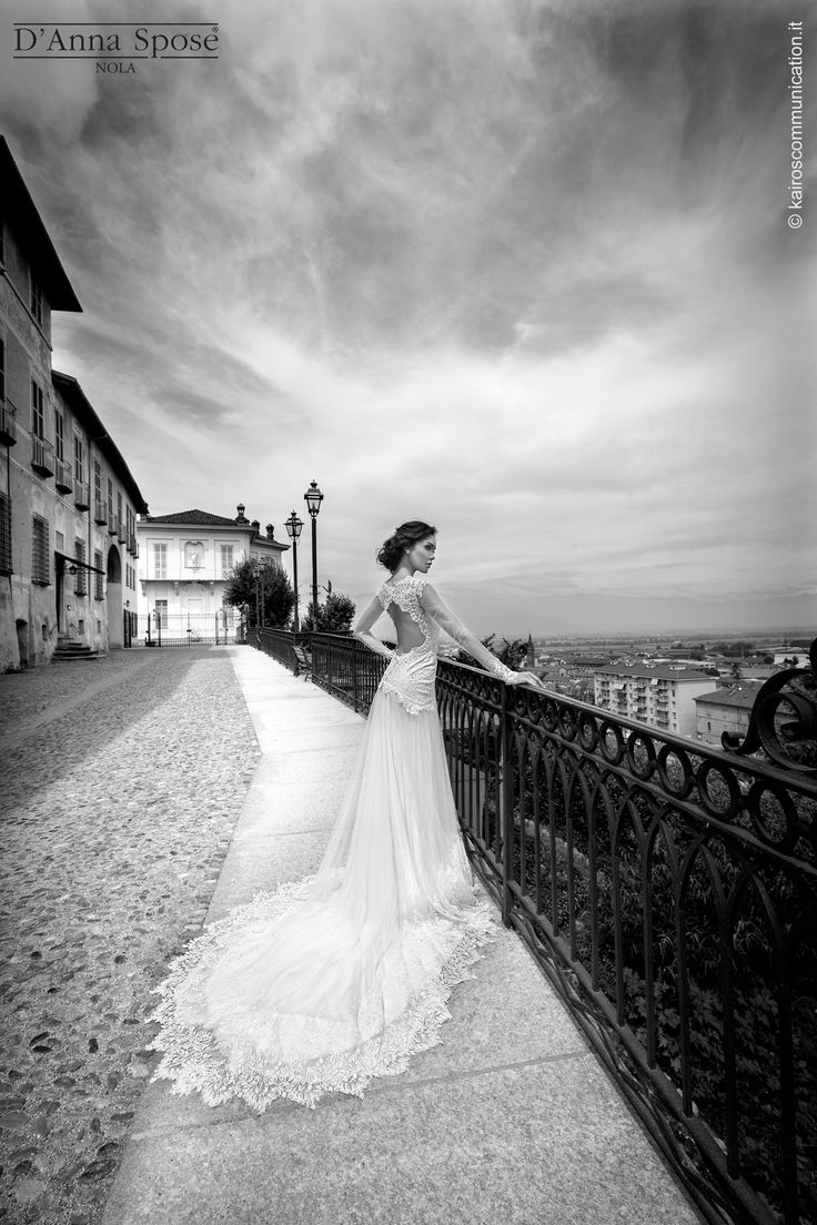 #sposa #weddinginspiration #wedding #weddingday #bride #bridedess #dress #white #instalife #specialday #weddingstyle #bridestyle #bridal #instalove #instacool #matrimonio #picoftheday #instapic #romantic #weddingphotography #weddingblog #italy #weddingideas #bridetobe