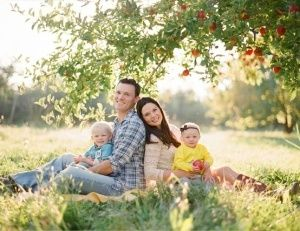 Family of 4 Photo Poses | cute family of four poses. | our little family of 4 photo ideas