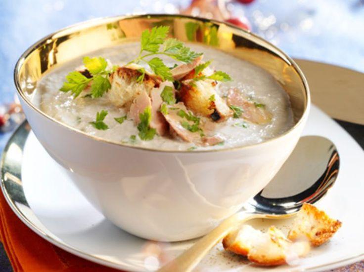 Découvrez la recette Cappuccino de champignons au foie gras sur cuisineactuelle.fr.