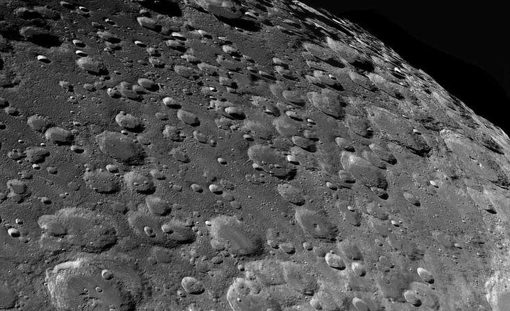 """Vincitore nella categoria """"Our Moon""""   (La nostra Luna)  , è   lo spagnolo     Jordi Delpeix Borrell,   con   l'immagine   """"  From Maurolycus to Moretus""""   (Da   Maurolycus   a   Moretus  )  .   Questa è la Luna dei nostri sogni: i crateri si sovrappongono e si estendono fino all'orizzonte. Come di può vedere in questo paesaggio lunare, la regione meridionale della Luna ci offre sempre viste spettacolari:   si possono riconoscere   numerosi crateri da impatto:   Barocius, Baco, Cuvier…"""