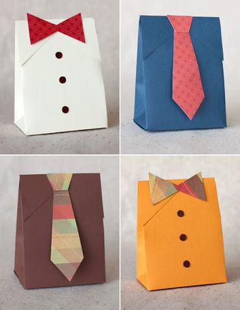 紙で作ったカラフルなネクタイも可愛いですよ。紙バックの蓋の部分をカットして襟に見立てているのがおしゃれです。