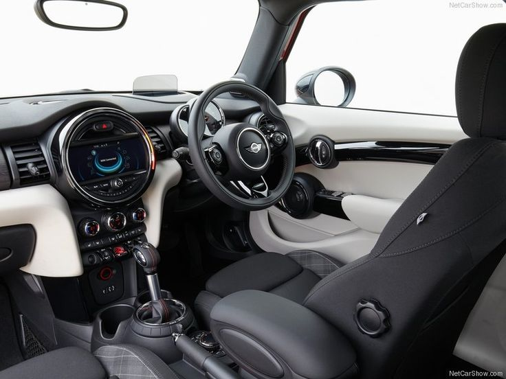 Mini-Cooper_S_5-door_2015_Interior