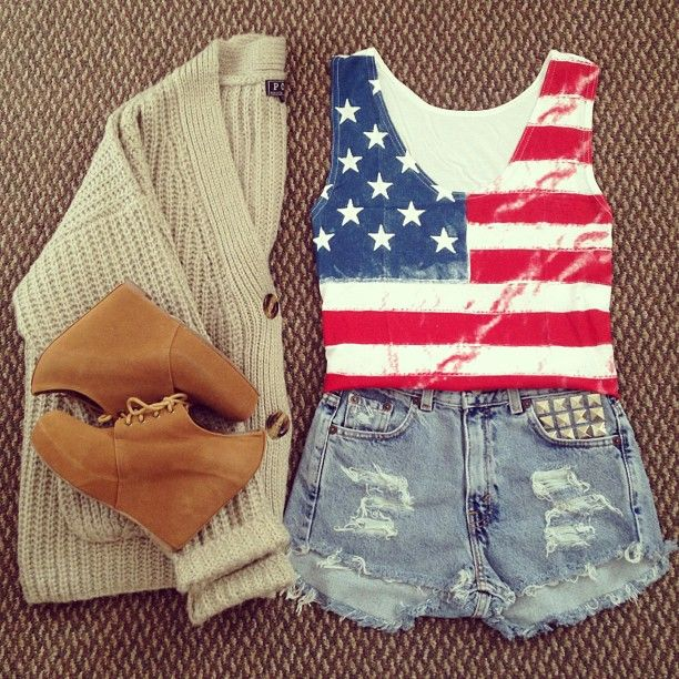 .@heyitsannabanana | Loving this American flag tee and studded high waisted shorts from @batokodot... | Webstagram