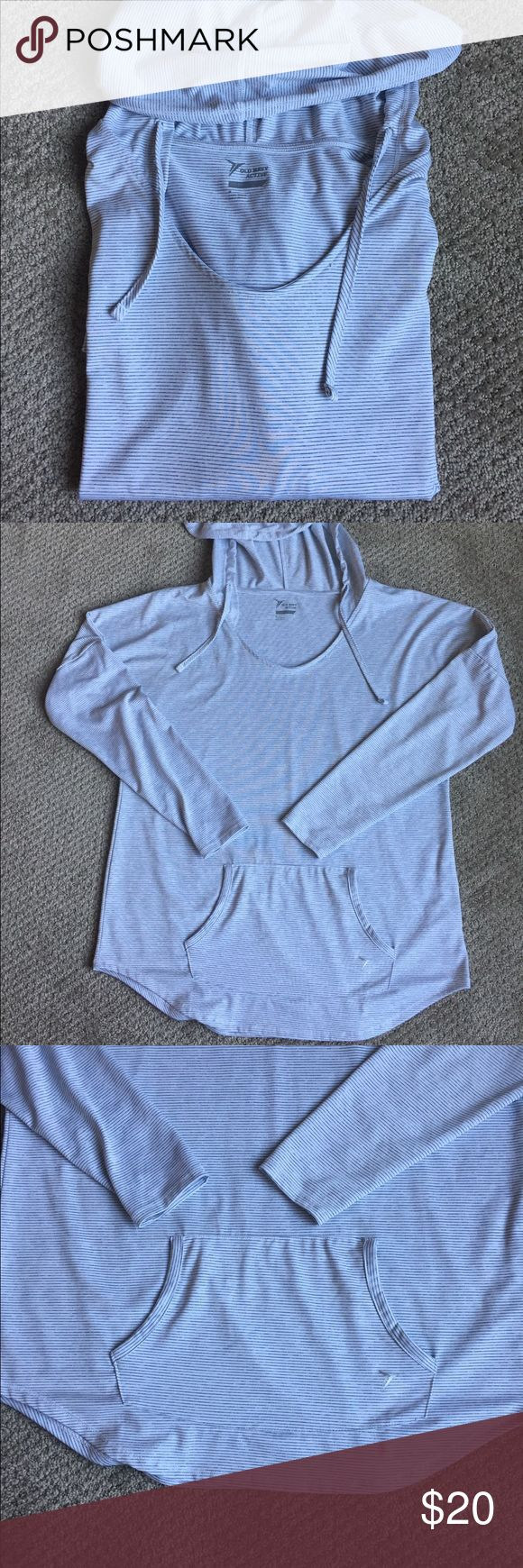 Old Navy Active Pullover EUC lightweight old Navy Active Pullover with hood. Features a lightweight comfortable and breathable white and gray striped fabric. One minor flaw as pictured. Old Navy Tops Sweatshirts & Hoodies
