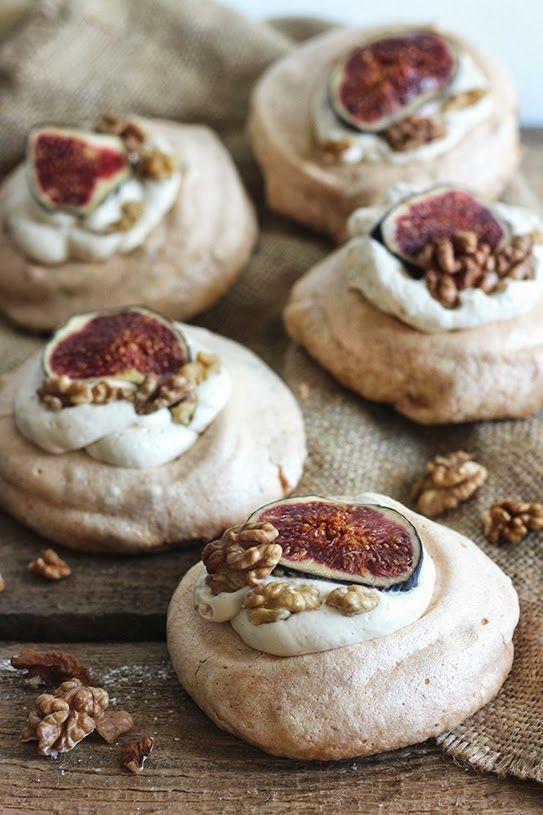 walnut pavlovas with figs and mascarpone cream//