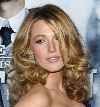 Beauty School how-to: Hollywood curls.  #HollywoodCurls
