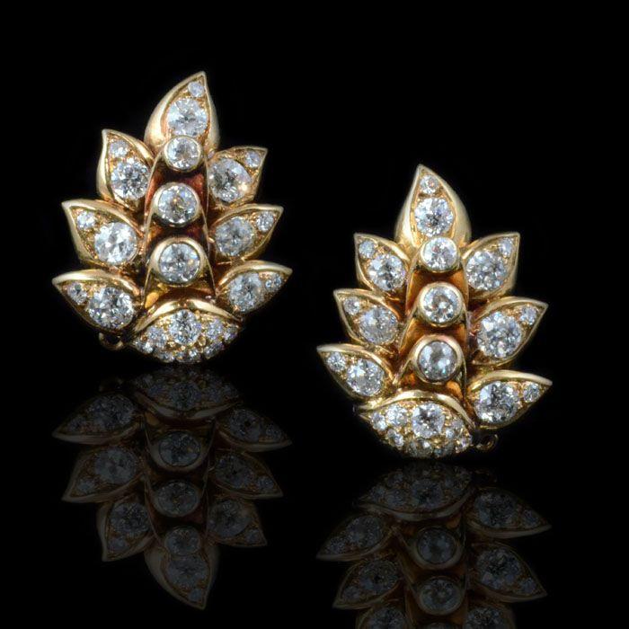 BOIVIN.circa 1944.Diamond and gold Retro earrings